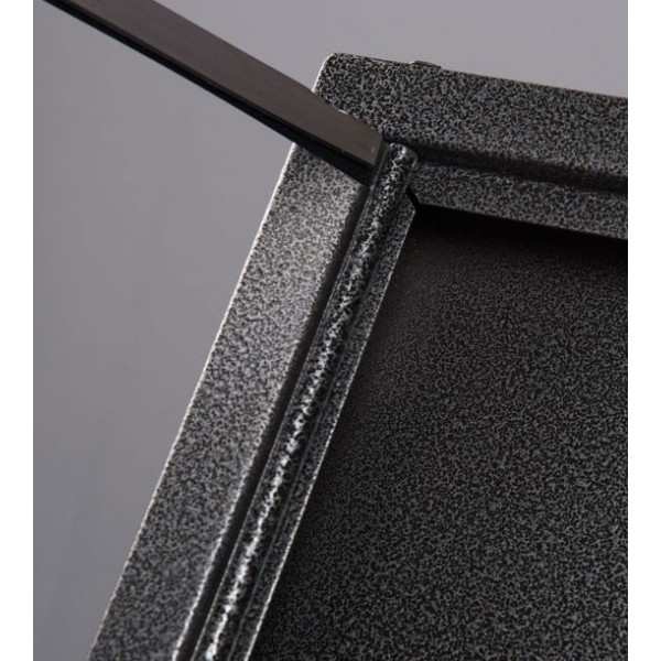 Présentoir de menus extérieur - Ouverture de la vitre de protection