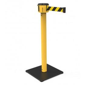 Gele afzetpaal op vierkante basis, lint 7m of 10m