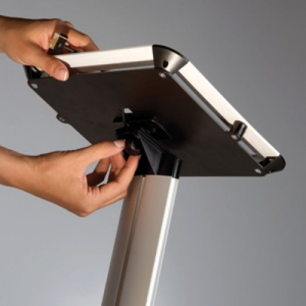 """Tablet houder met schuine standaard (9,7"""" tot 10,1"""")"""