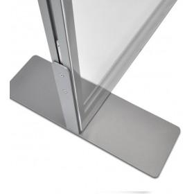 Schutzwand mit zwei robusten Flachfüße aus Stahl