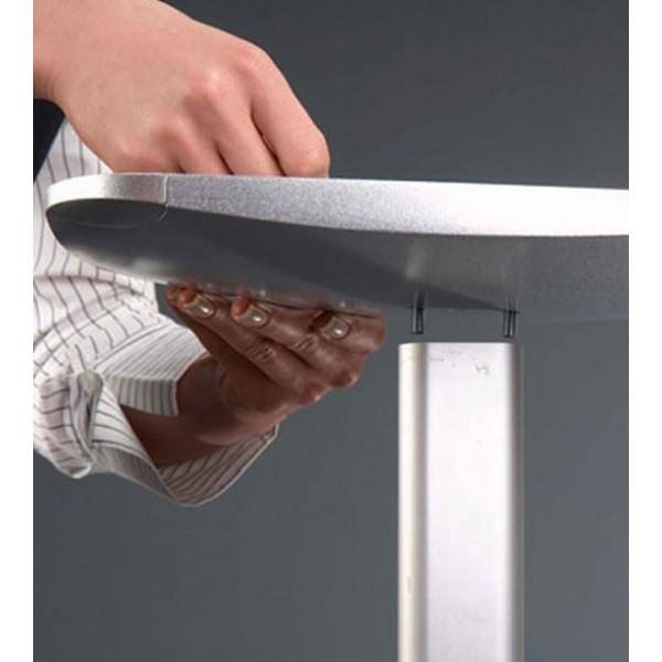 Support pour brochures A4: fixation du pied